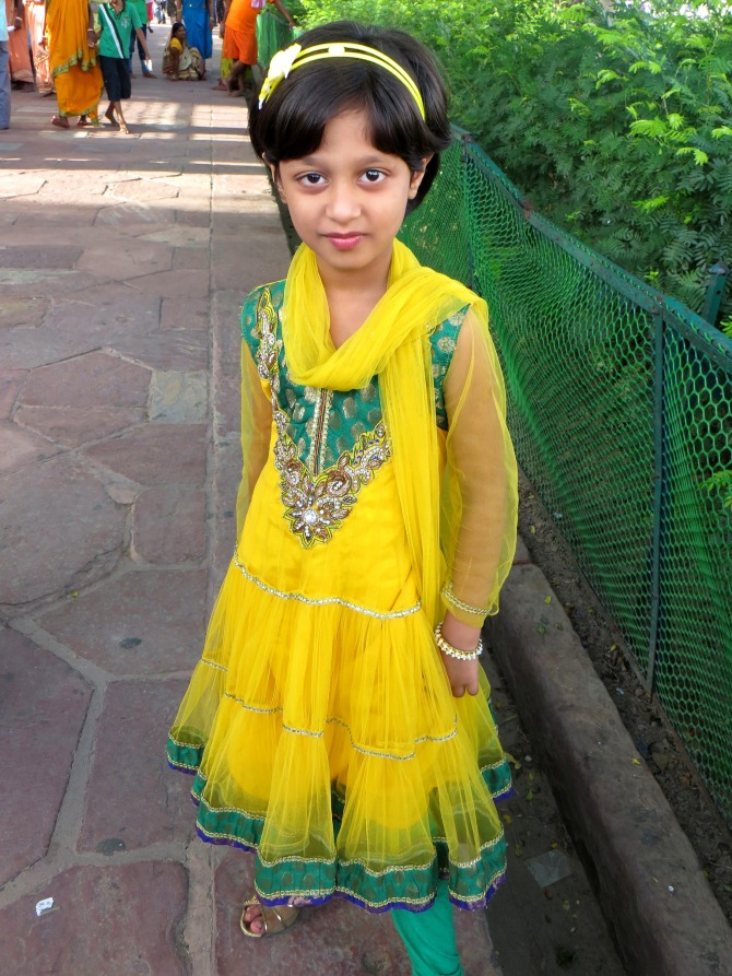 Super Cute Girl at the Taj Majal!
